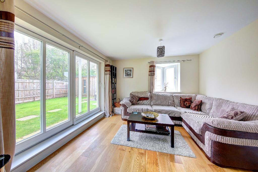 Greenview Drive, Raynes Park, SW20 9DS
